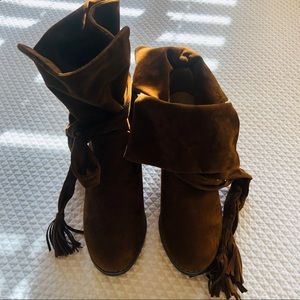 CHASE & CHLOE Suede boots w Bow Sz. 10